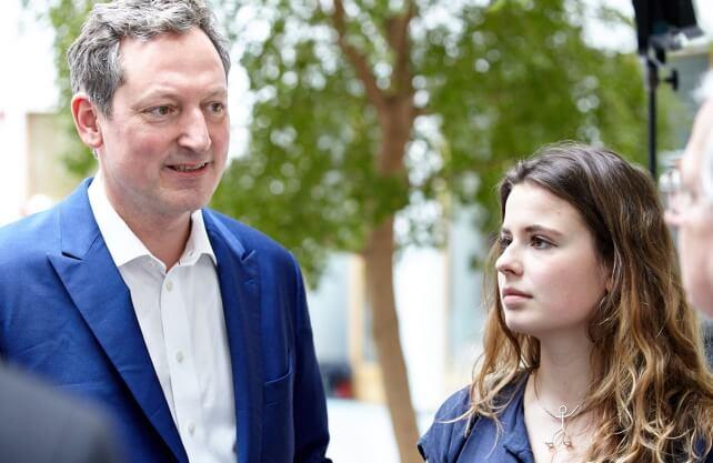 Dr. Eckhart von Hirschhausen mit Luisa Neubauer (Fridays for Future). / Foto: Janine Esche