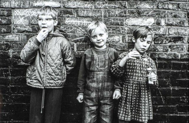 Kinder in einem Vorort Duisburgs, 1969. Foto (Ausschnitt): Wolfgang P. Schreier © RVR