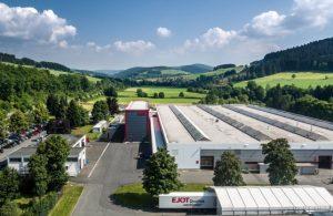 Industrie im Grünen: das südwestfälische Unternehmen Ejot Foto: Dominik Ketz / Bilderpool Südwestfalen