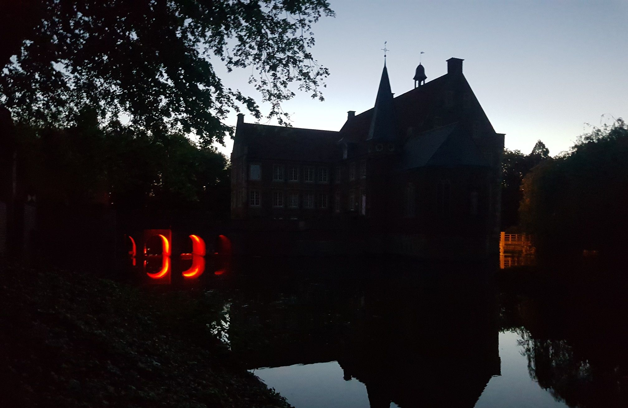 "Wird zum Ort ""dunkler Magie"": Burg Hülshoff. Foto: Maximilian Körner"