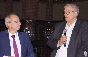 LWL-Direktor Matthias Löb (rechts) und der Arnsberger Regierungspräsident Hans-Josef Vogel bei der Diskussion in Dortmund. Foto: Kiehl