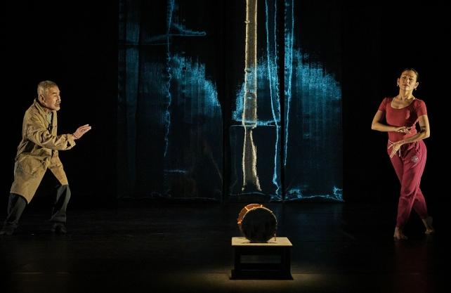 """Einer der angekündigten Höhepunkte im Festivalprogramm: """"Die Seidentrommel"""", eine Koproduktion des Festival d'Avignon und Théâtre de la Ville, Paris. Foto: Christophe Raynaud de Lage"""