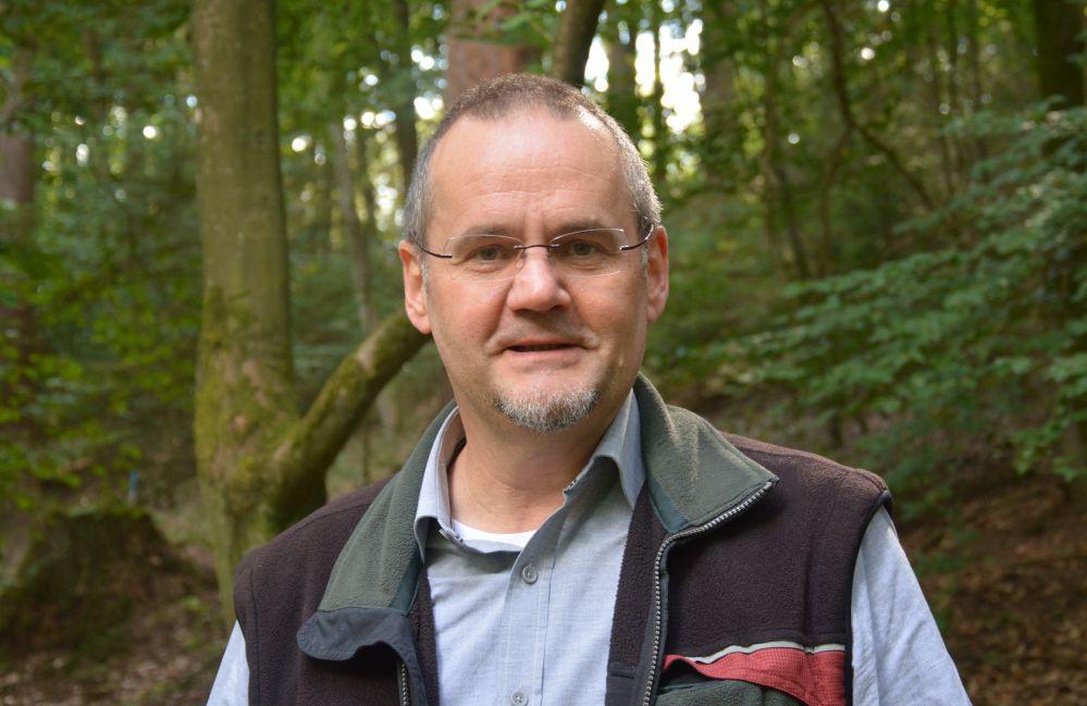 Dr. Bertram Leder, Leiter des Zentrums für Wald und Holzwirtschaft in Arnsberg. Foto: Jürgen Bröker