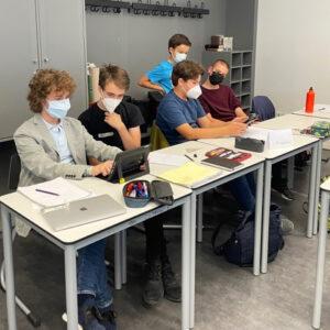 Die Nachwuchsjournalisten entwickelten im Workshop Kriterien, um Fake News auf die Spur zu kommen. Foto: Provinzial