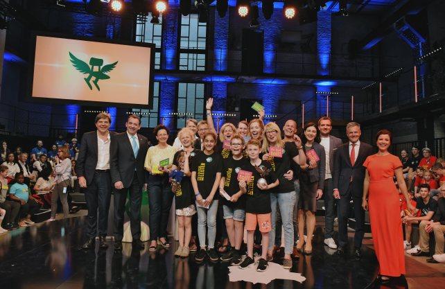 Jubel über den Deutschen Schulpreis: Vertreter der Gebrüder-Grimm-Schule bei der Preisverleihung. Foto: Robert-Bosch-Stiftung / Max Lautenschläger