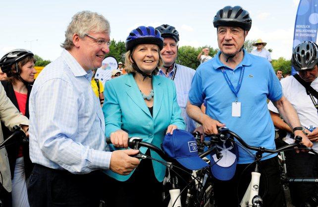 Die damalige NRW-Ministerpräsidentin Hannelore Kraft mit Oliver Scheytt (links) und Fritz Pleitgen. Foto: Ruhr.2020/Thomas Berns