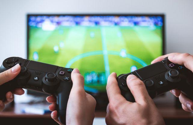 Auch das Fußballspiel über eine Konsole gehört zu den E-Sport-Angeboten. Foto: pixabay