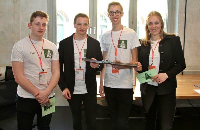 """Das Schülerteam von """"Green Track"""". Foto: Jugend gründet"""