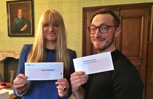 Stellten das neue Programm für 2019 des Centre for Literature - Burg Hülshoff vor: Barbara Rüschoff-Parzinger und Jörg Albrecht. / Foto: Zehren