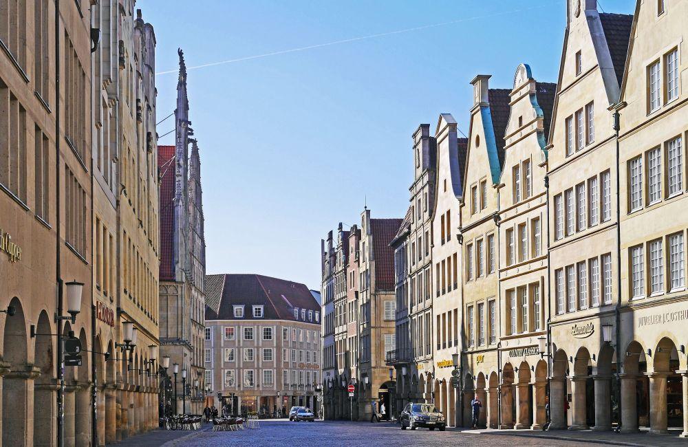 In zahlreichen Städten und Kreisen entscheiden erst die Stichwahlen über die neuen Amtsinhaber. In Münster geht Oberbürgermeister Markus Lewe (CDU) gegen Peter Todeskino (Grüne) in die Stichwahl. Foto: pixabay