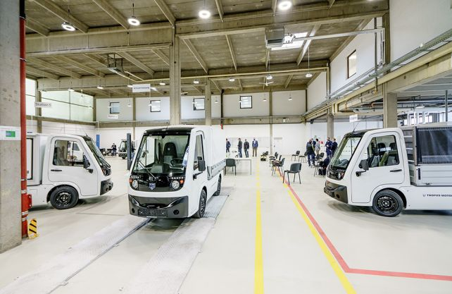Blick in die Fertigungshalle bei Tropos Motors Europe. Foto: Frank Dieser/Stadt Herne